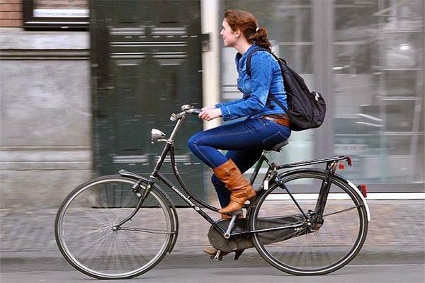 Bersepeda Ke Kampus